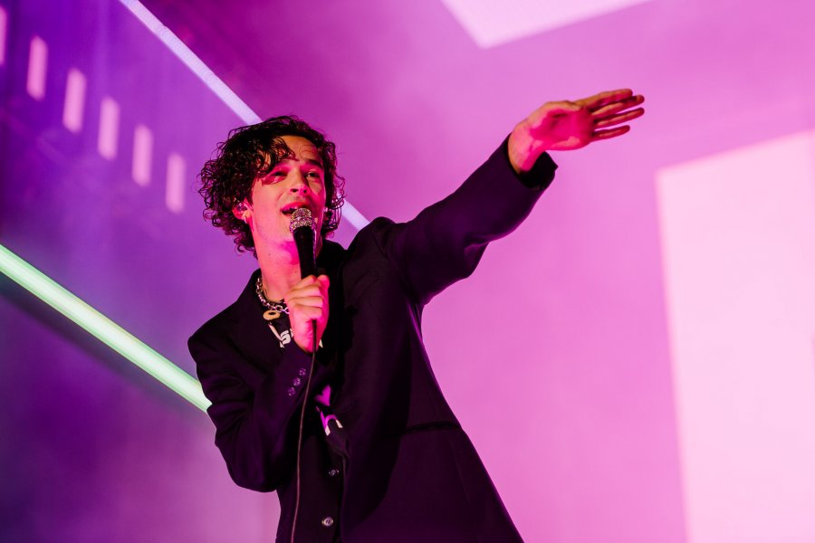 The 1975 shake the Main Stage to its foundations!