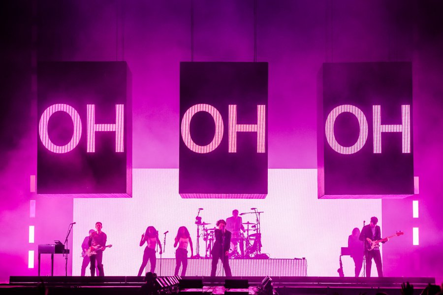 the 1975 perform at leeds festival 2019 4