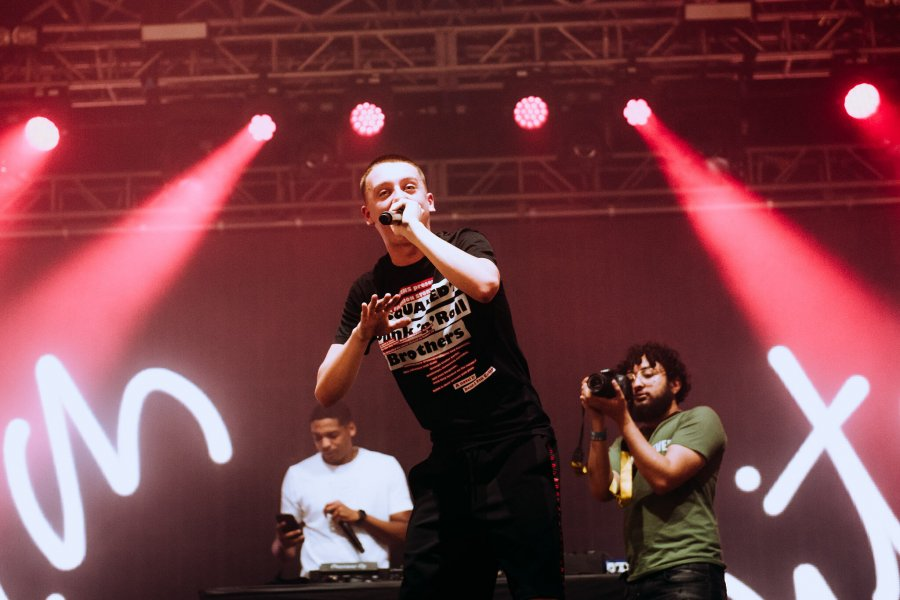 Aitch shows off considerable talent on Radio 1 Stage