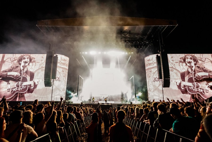 the 1975 perform at leeds festival 2019 2